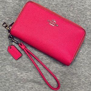 NWOT Coach Wristlet Wallet - Hot Pink
